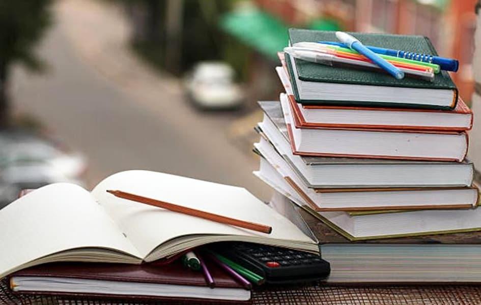 Chọn sách tham khảo môn toán lớp 12 cần lưu ý điều gì